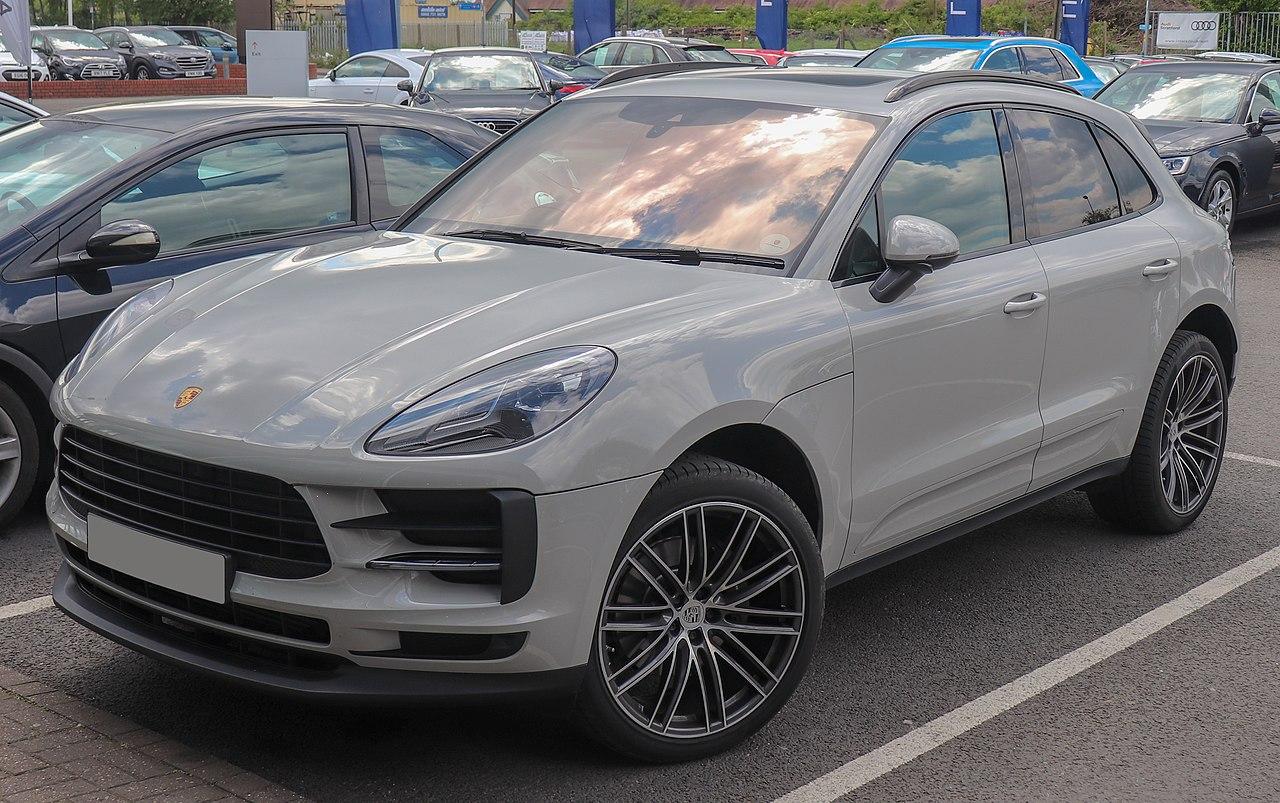 1280px-2019_Porsche_Macan_S-A_facelift_2.0_Front.jpg