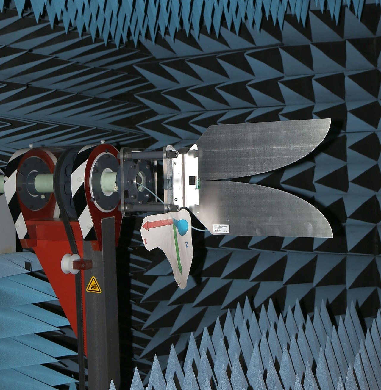 1280px-Vivaldi-Antenna-Testing-In-Chamber.jpg