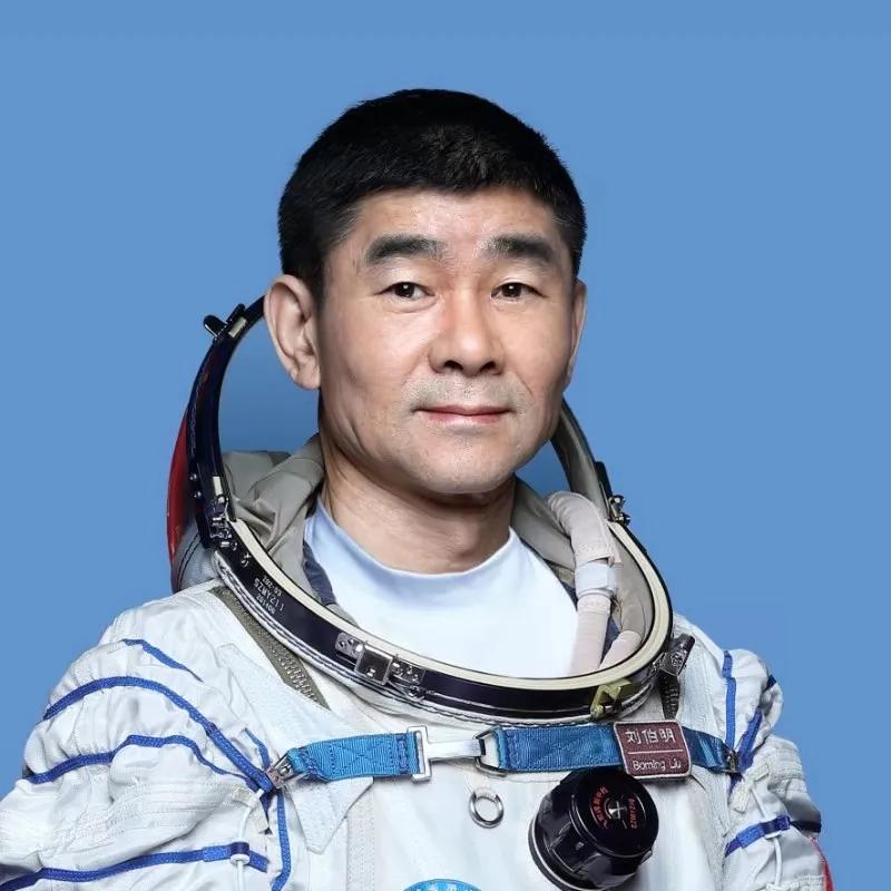 刘伯明.webp_.jpg