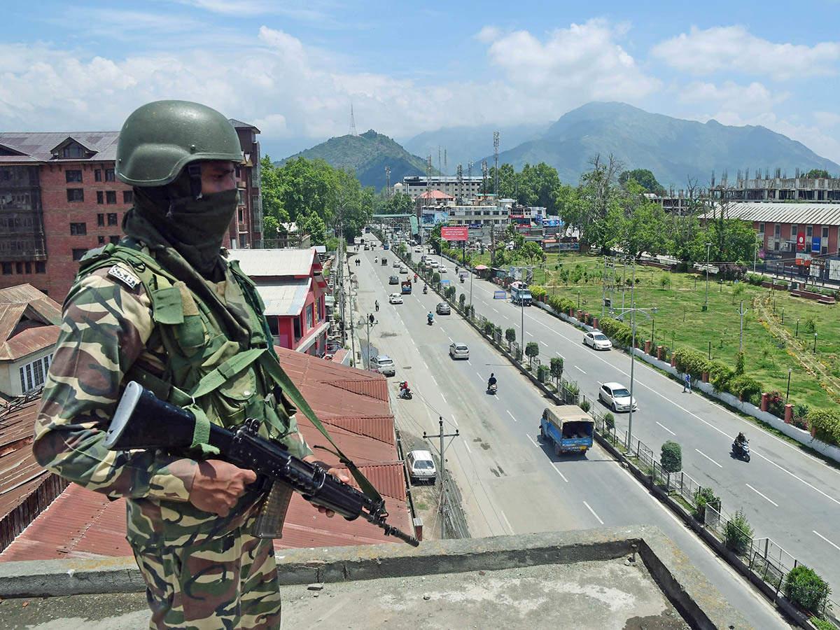 crpf-personnel-minor-boy-killed-in-militant-attack-in-j-ks-anantnag.jpg