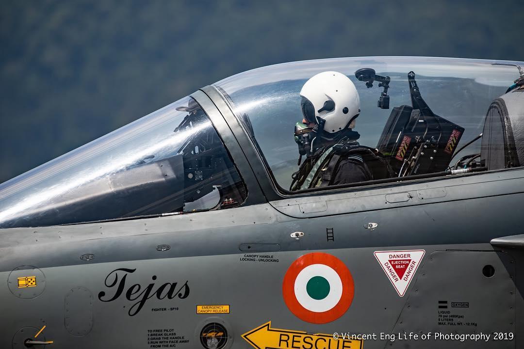 EA4jG9eUwAA-Lxv.jpeg