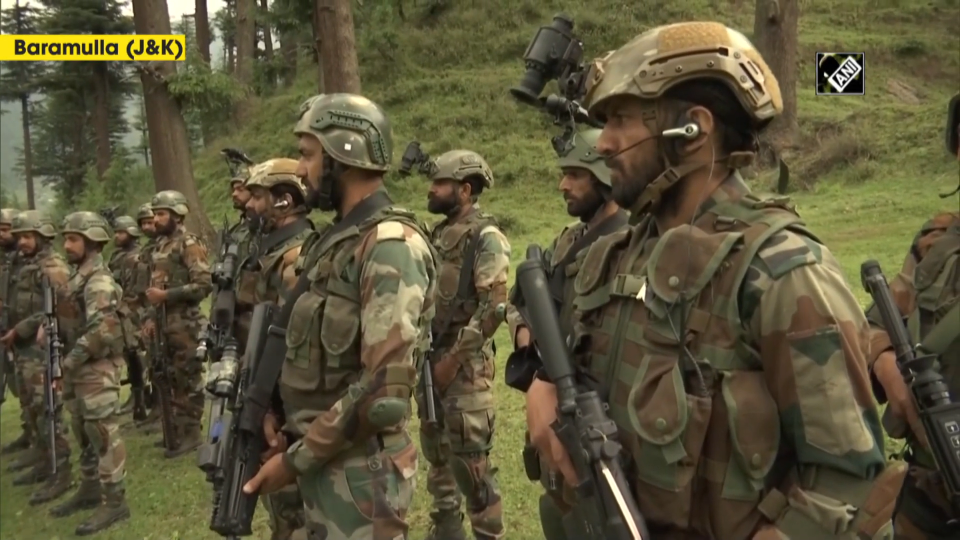 Indian Army soldiers in J&K equipped with latest weaponries to counter terrorists operations 0...png