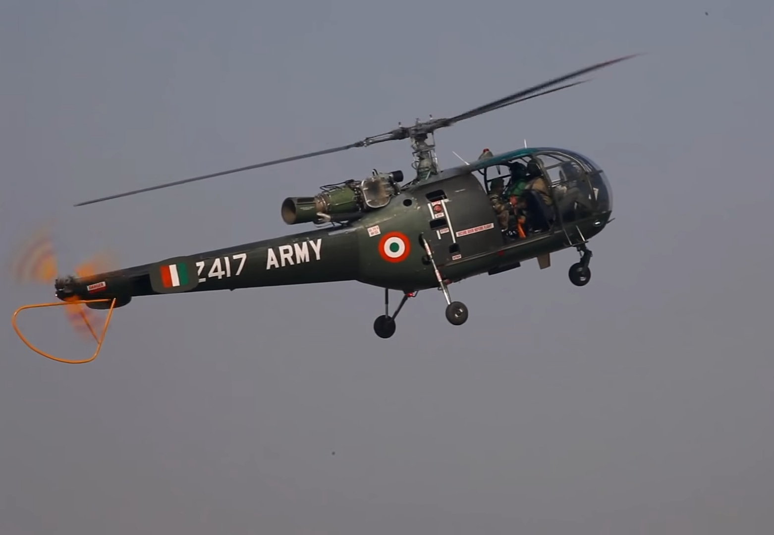 Indian_army_CHetak_helicopter.jpg