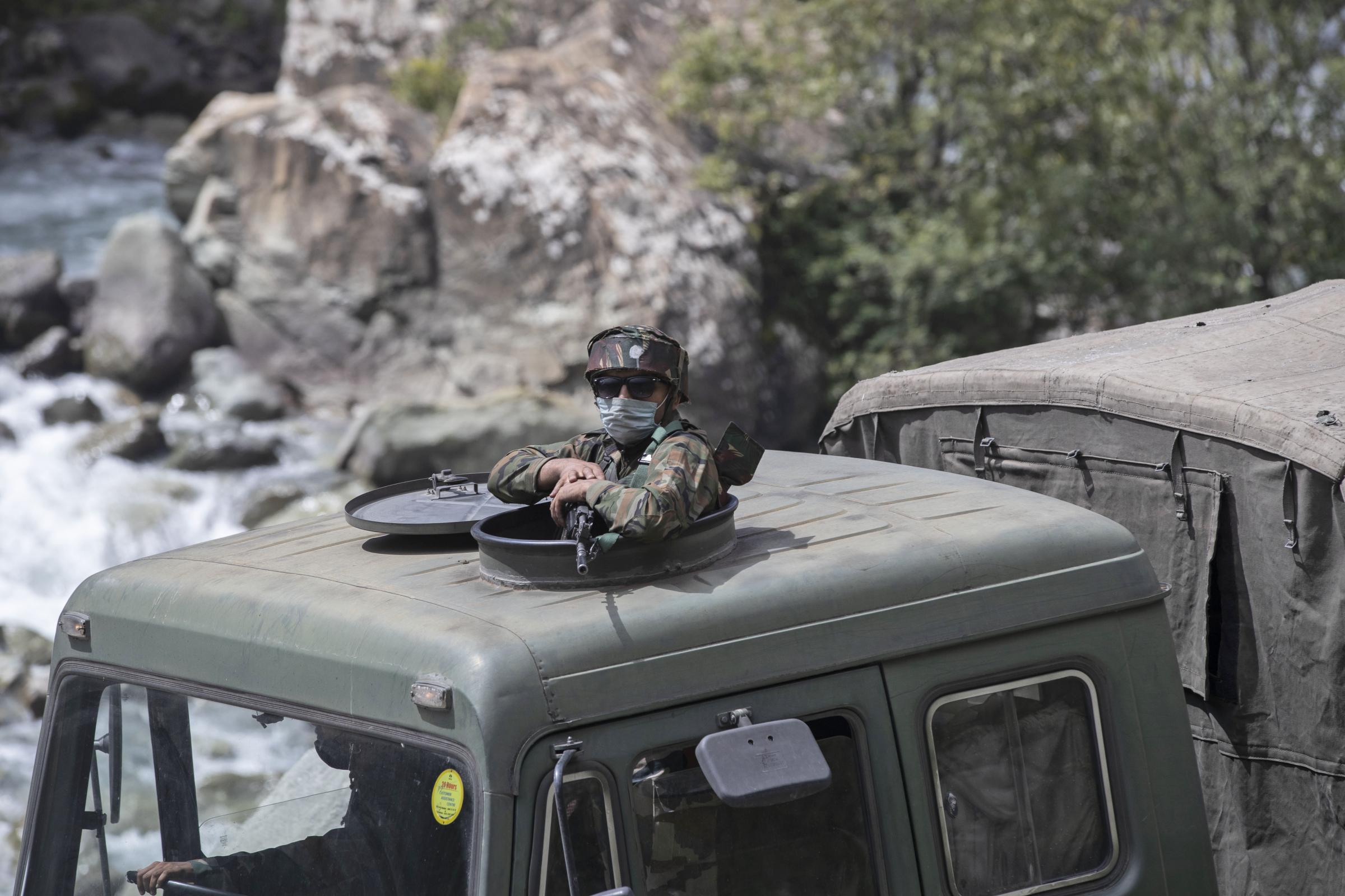 Soldato-indiano-La-Presse.jpg